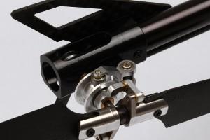 ♦尾旋翼夾頭組 提供了更精確的尾舵控制。