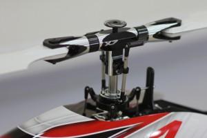 ♦X7 FBL主旋翼頭與十字盤簡潔時尚的設計,可表現出更準確控制精度與速度。