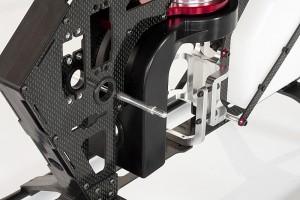 ♦全機採用3K碳纖維板材,窄機身設計搭配個崁合式金屬件強化整體結構。